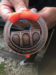 2日間のマラソンを走破されてお客様が獲得されたメダル 完走おめでとうございます♪