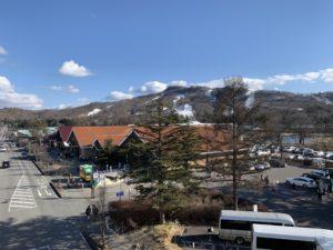 お隣にあるプリンススキー場はまだ営業してます!